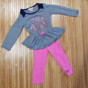 2T Juicy Coutore outfit.